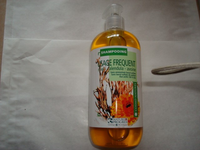SHAMPOOING USAGE FREQUENT GRAVIER
